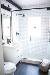 Splendid Small Bathroom Remodel Ideas For You 28