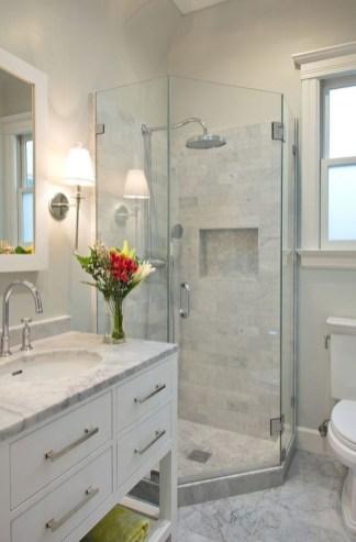 Splendid Small Bathroom Remodel Ideas For You 38