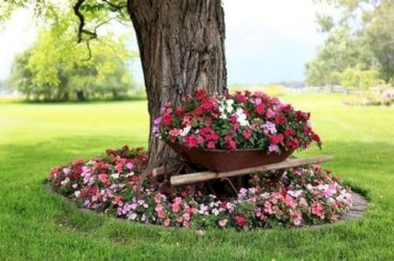 Adorable Flower Beds Ideas Around Trees To Beautify Your Yard 11