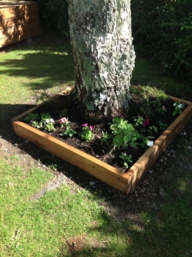 Adorable Flower Beds Ideas Around Trees To Beautify Your Yard 21