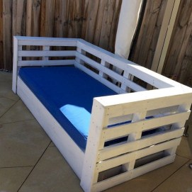 Casual Diy Pallet Furniture Ideas You Can Build By Yourself 21