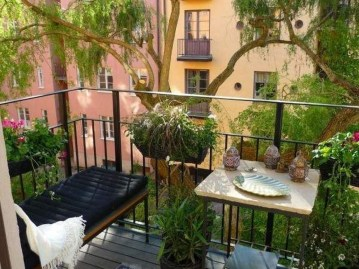 Casual Small Balcony Design Ideas For Spring This Season 09