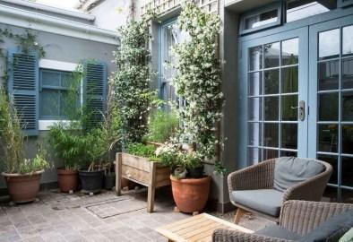 Casual Small Balcony Design Ideas For Spring This Season 30