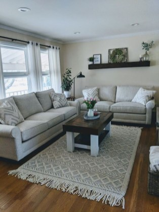 Catchy Farmhouse Decor Ideas For Living Room This Year 20