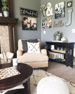 Catchy Farmhouse Decor Ideas For Living Room This Year 27