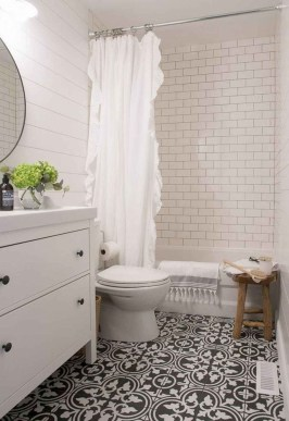Chic Farmhouse Bathroom Desgn Ideas With Shower 43