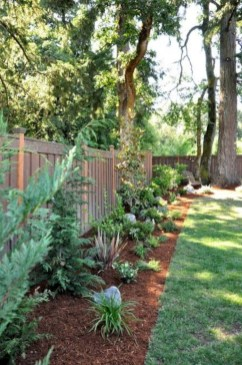 Gorgeous Backyard Landscaping Ideas For Your Dream House 15