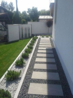 Gorgeous Backyard Landscaping Ideas For Your Dream House 19
