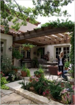 Gorgeous Backyard Landscaping Ideas For Your Dream House 22