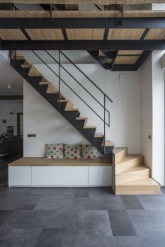 Gorgeous Wooden Staircase Design Ideas For Branching Out 47