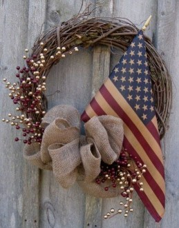 Newest Front Door Wreath Decor Ideas For Summer 45