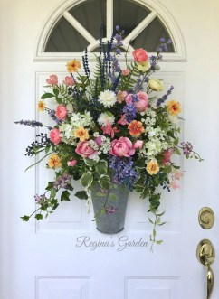 Newest Front Door Wreath Decor Ideas For Summer 46