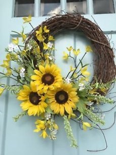 Newest Front Door Wreath Decor Ideas For Summer 49