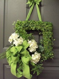 Newest Front Door Wreath Decor Ideas For Summer 51