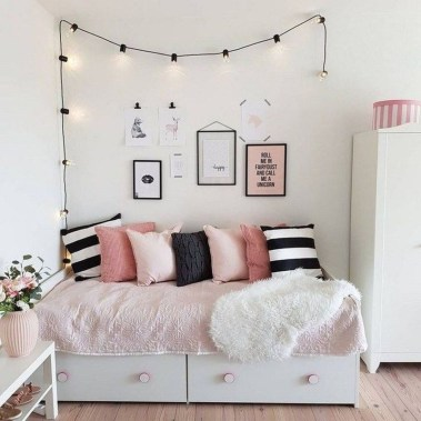 Vintage Girls Bedroom Ideas For Small Rooms To Try 52