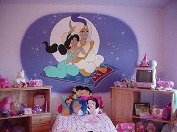 Adorable Disney Room Design Ideas For Your Childrens Room 30