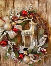 Adorable Front Door Christmas Decoration Ideas That Trend This Year 16