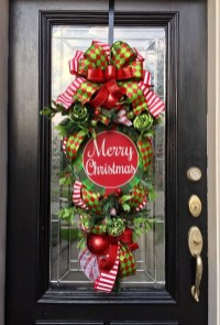 Adorable Front Door Christmas Decoration Ideas That Trend This Year 48