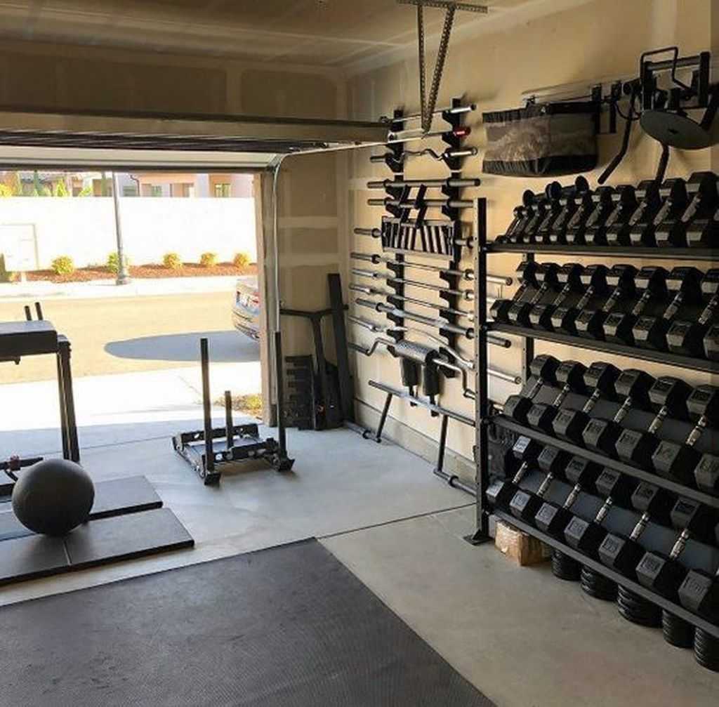 Astonishing Home Gym Room Design Ideas For Your Family 43