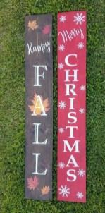 Awesome Christmas Farmhouse Porch Décor Ideas 04