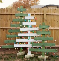 Charming Outdoor Décor Ideas For Christmas To Try 09