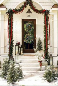 Charming Outdoor Décor Ideas For Christmas To Try 29