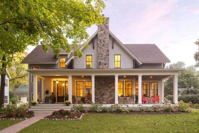 Cute Farmhouse Exterior Design Ideas That Inspire You 14