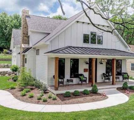 Cute Farmhouse Exterior Design Ideas That Inspire You 24