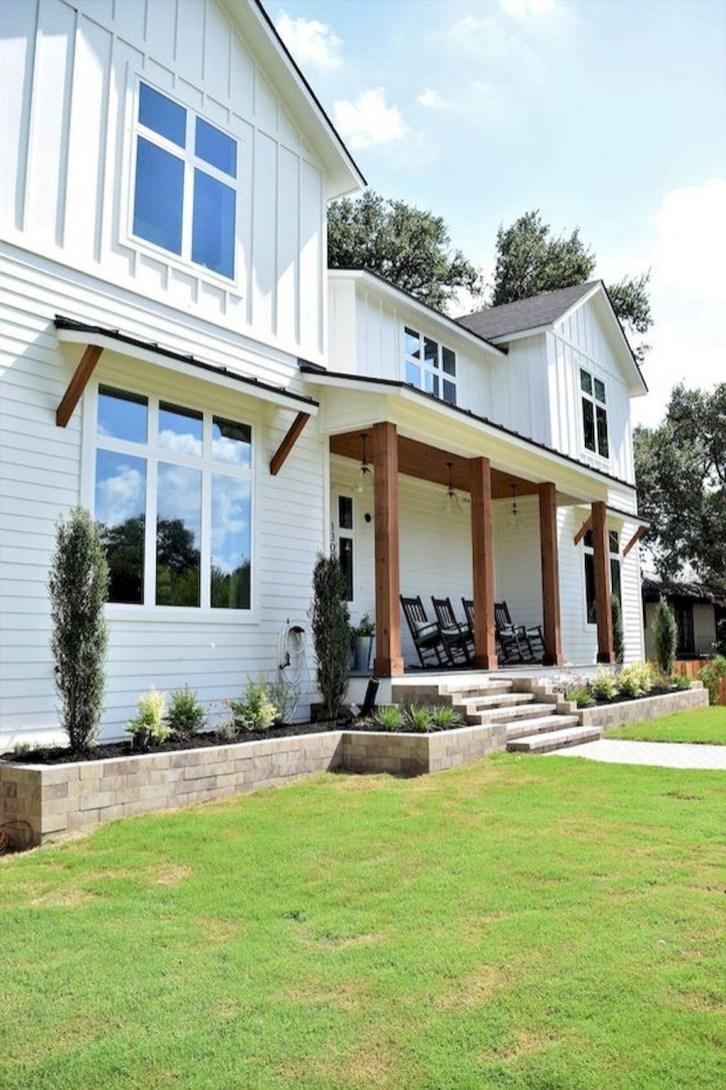 Cute Farmhouse Exterior Design Ideas That Inspire You 35