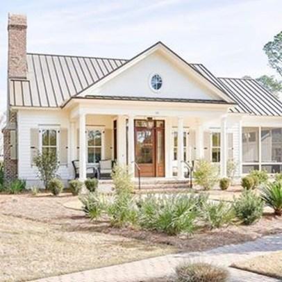 Cute Farmhouse Exterior Design Ideas That Inspire You 36