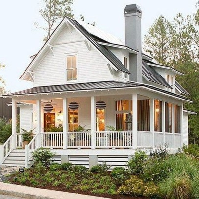 Cute Farmhouse Exterior Design Ideas That Inspire You 38