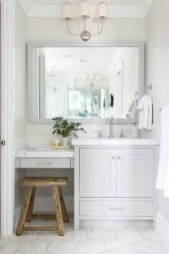 Wonderful Single Vanity Bathroom Design Ideas To Try 12