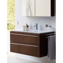 Wonderful Single Vanity Bathroom Design Ideas To Try 16