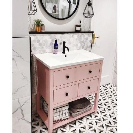 Wonderful Single Vanity Bathroom Design Ideas To Try 48