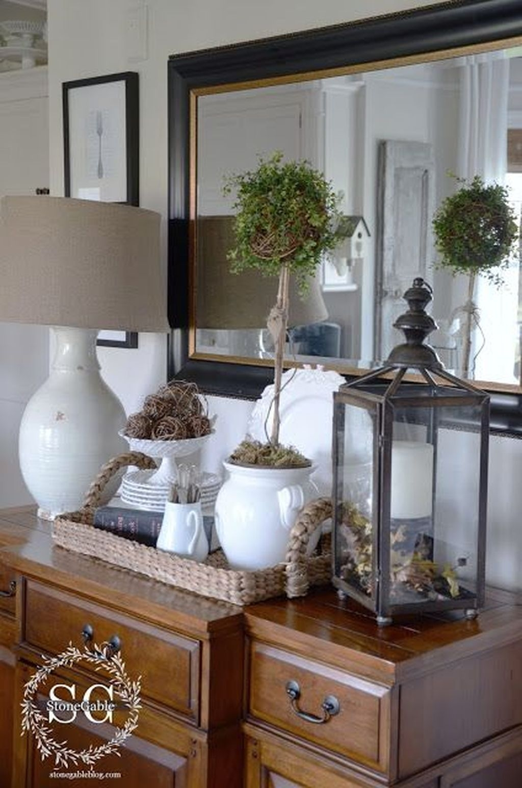 Awesome Dining Room Buffet Table Décor Ideas14