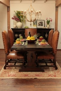 Awesome Dining Room Buffet Table Décor Ideas38