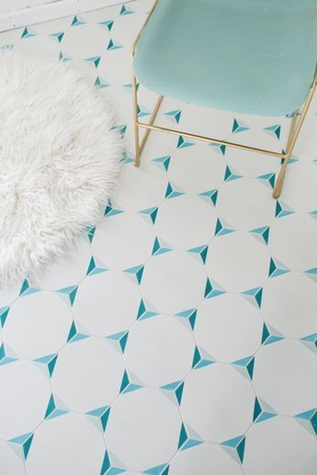Awesome White Tiles Design For Living Room33