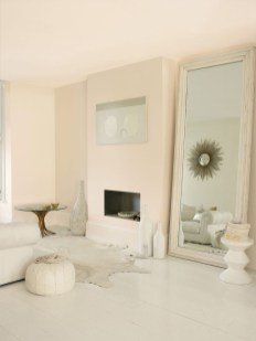 Awesome White Tiles Design For Living Room41