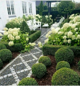Best Ideas For Formal Garden Design03