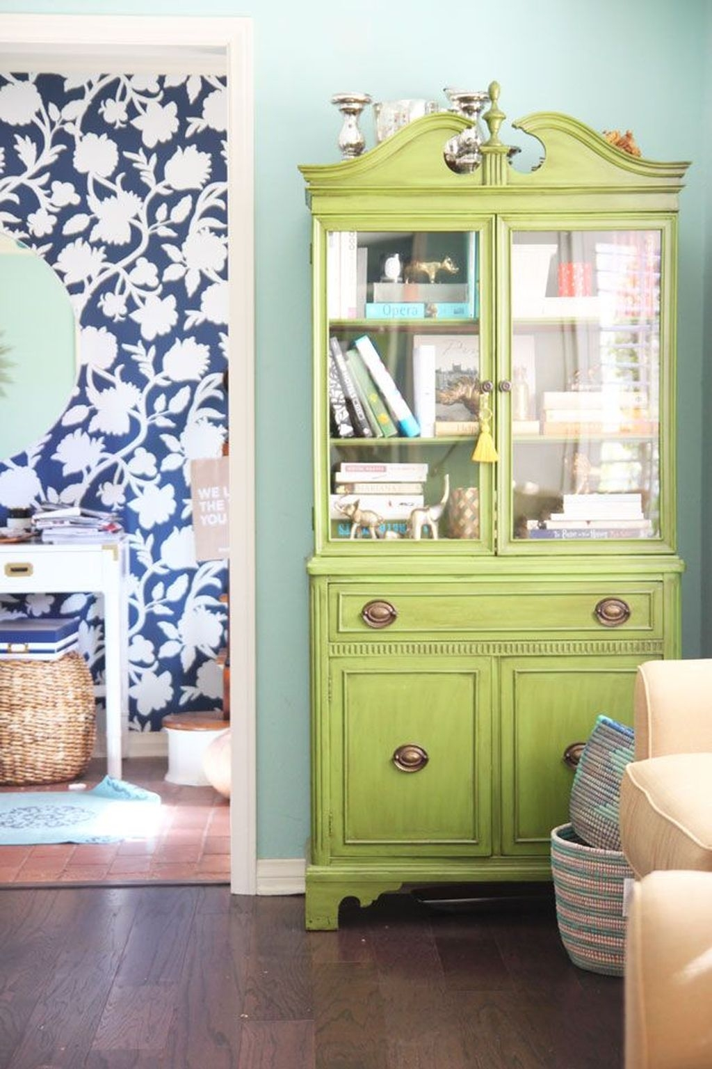Gorgeous Cabinet Design Ideas For Small Living Room02
