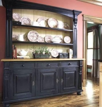 Gorgeous Dining Room Hutch Décor Ideas09