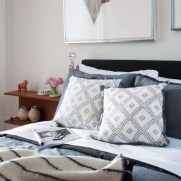 Totally Inspiring Inexpensive Bedroom Décor Ideas37