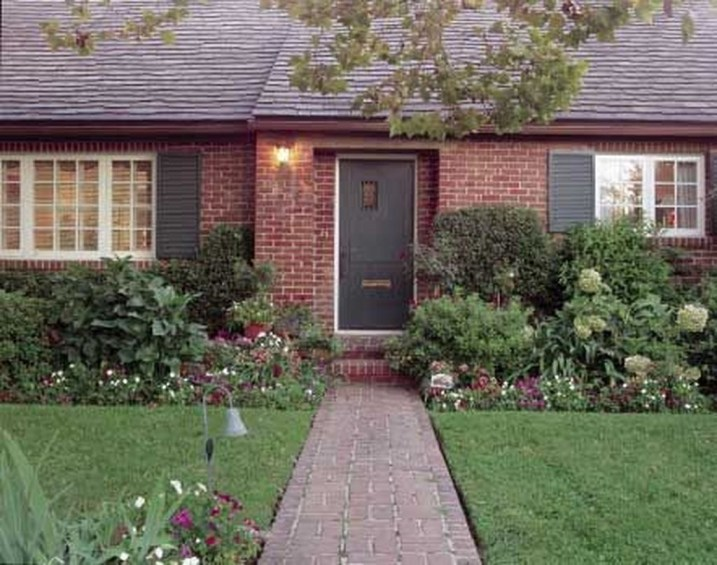 Adorable Brick House Exterior Makeover17
