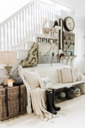 Adorable Fall Home Decor Ideas With Farmhouse Style34