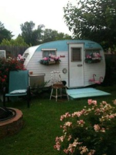 Adorable Vintage Travel Trailers Remodel Ideas02
