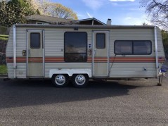 Adorable Vintage Travel Trailers Remodel Ideas28