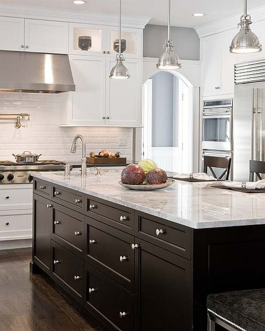 Affordable Black And White Kitchen Cabinets Ideas04
