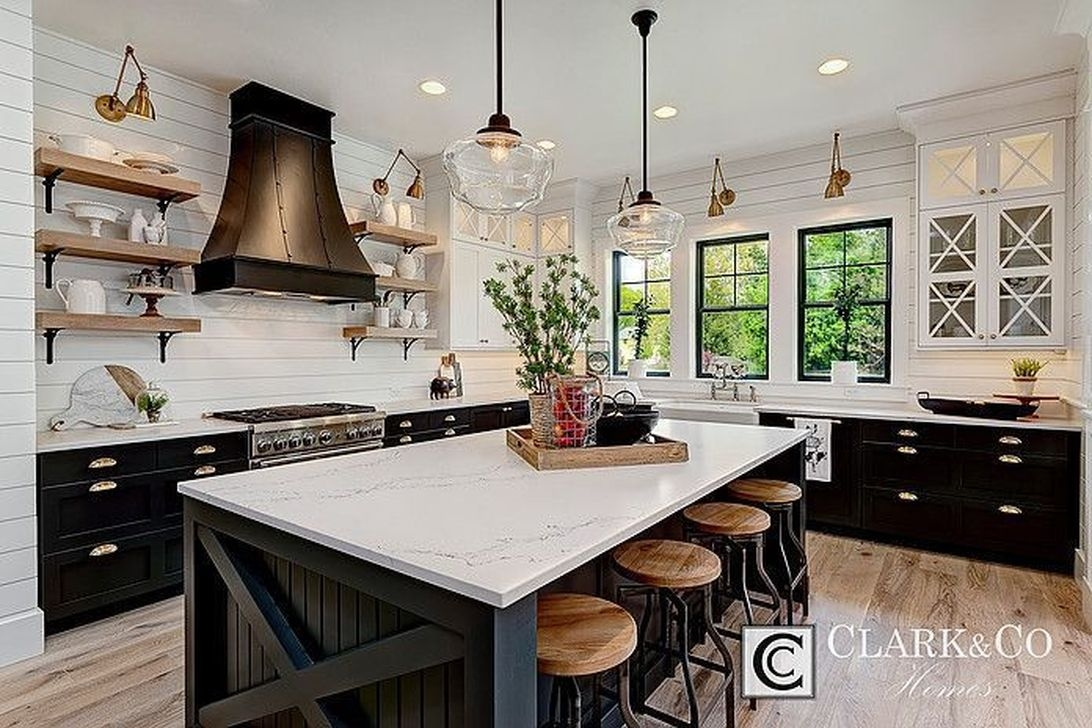 Affordable Black And White Kitchen Cabinets Ideas11