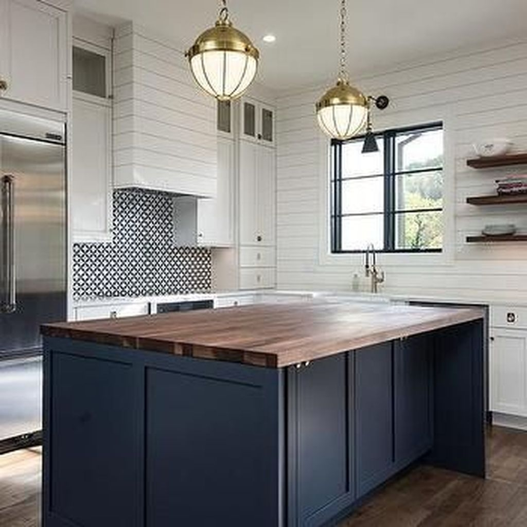 Cozy Dark Blue Kitchen Cabinets Ideas35