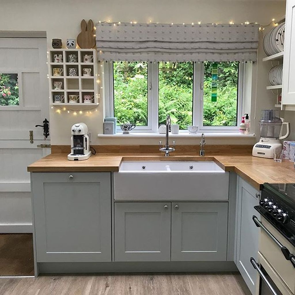 Awesome Small Kitchen Remodel Ideas09